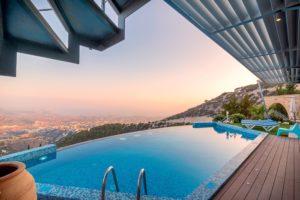 Luxusné bazény sú raj pre telo